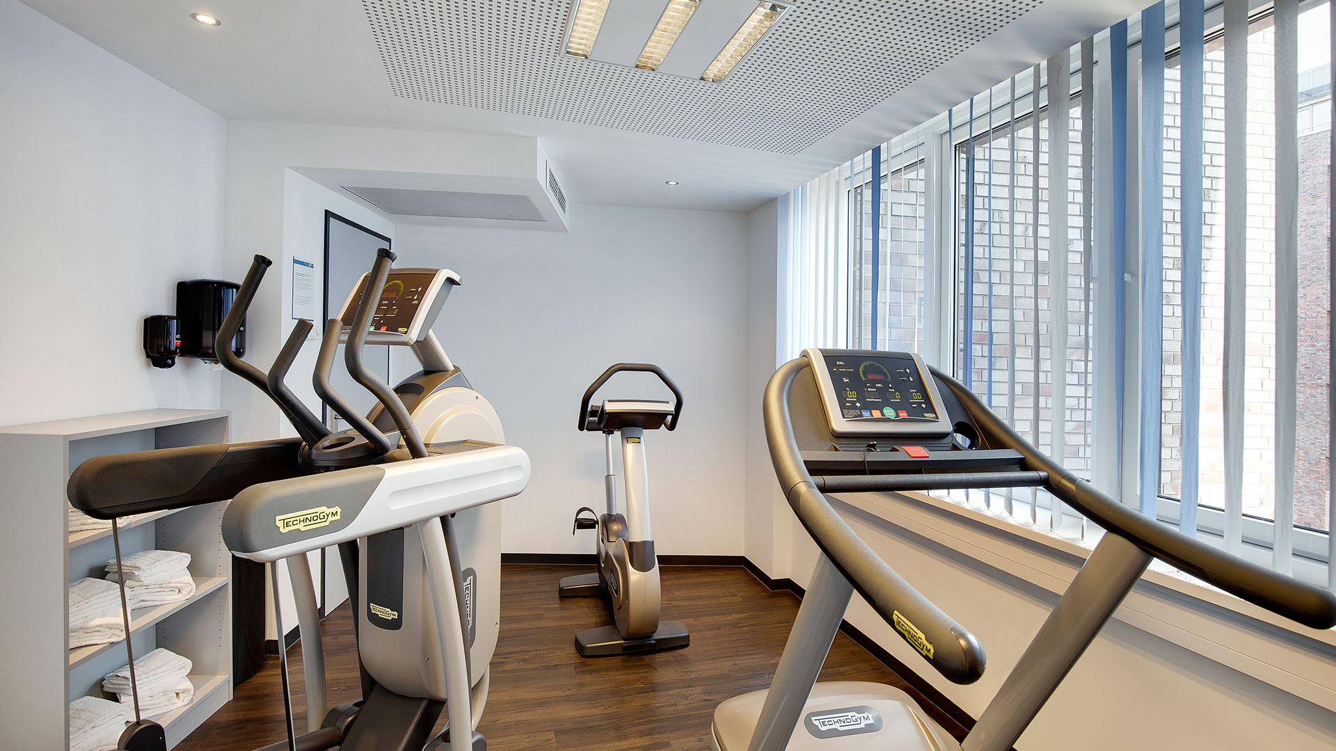Photo of the fitness room - 01 - HIEX Bremen Airport