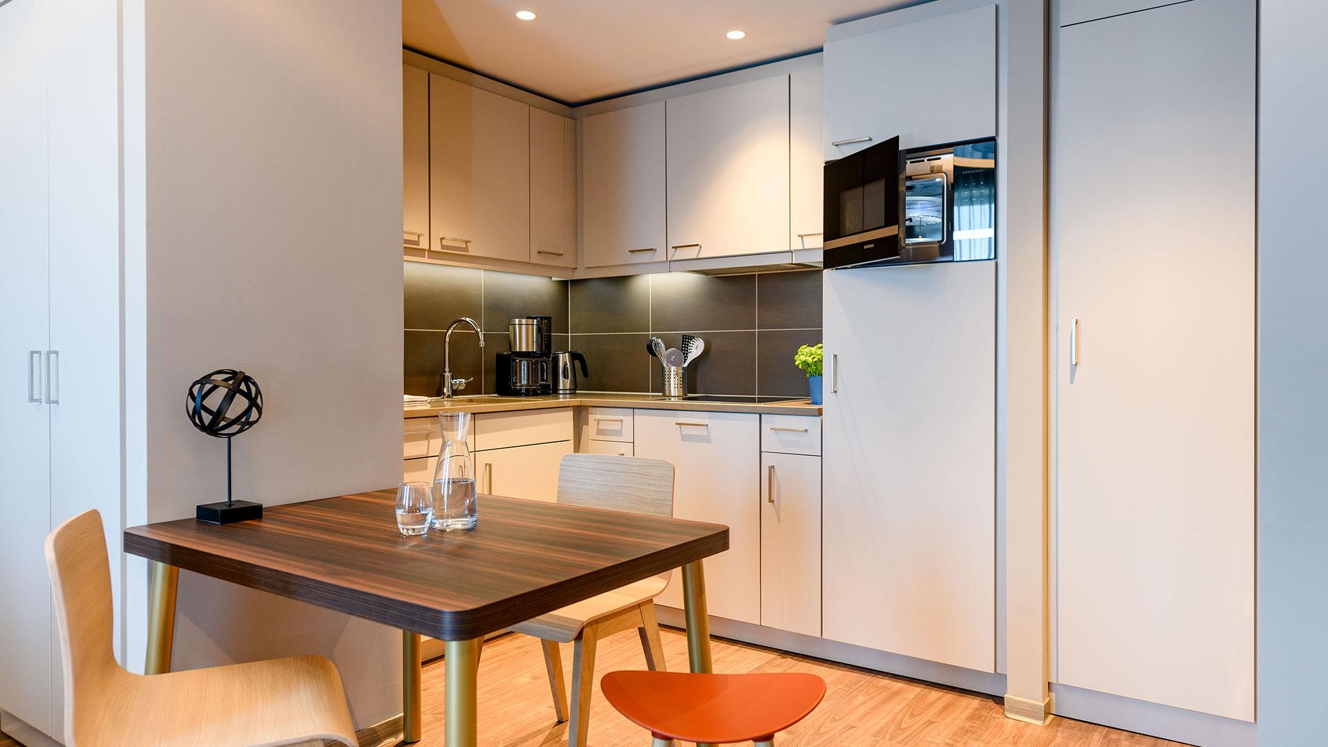Foto einer Zimmer-Küchenzeile - 02 - Aparthotel Adagio Bremen