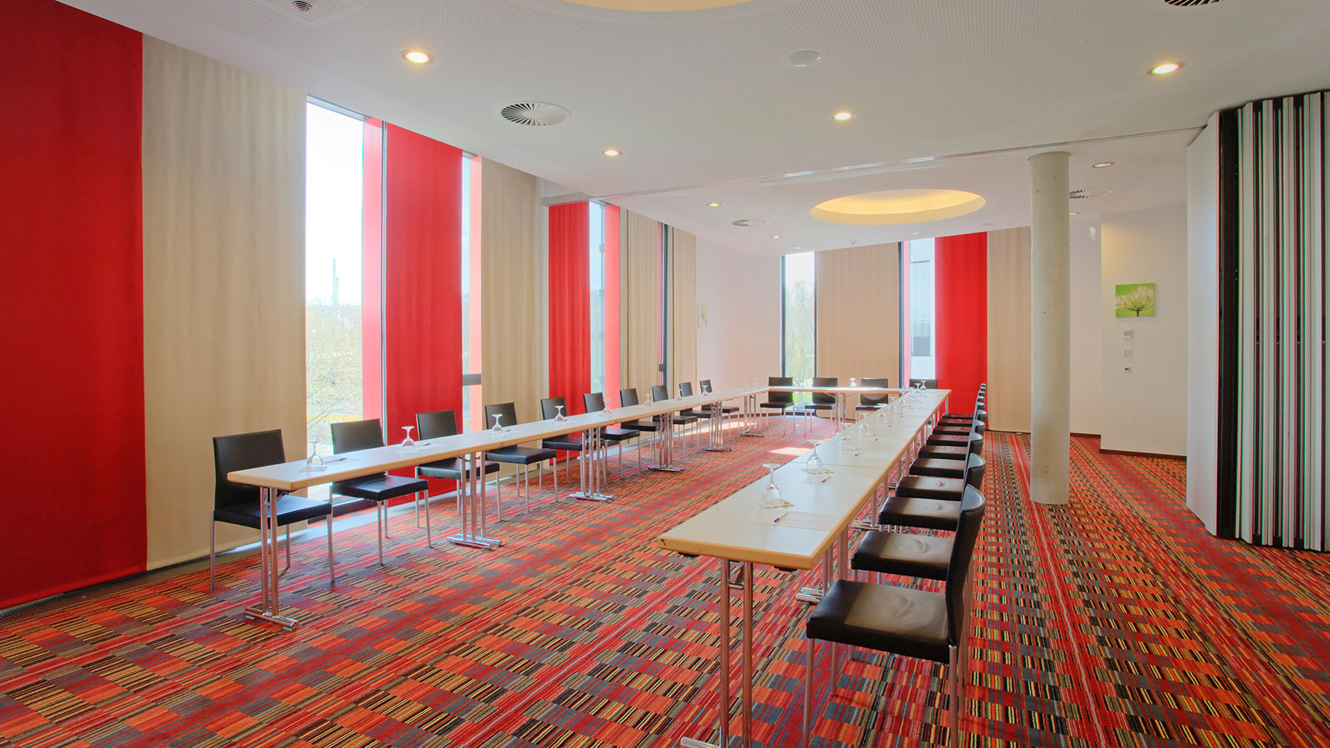 Photo of a conference room - 03 - Hilton Garden Inn Stuttgart NeckarPark