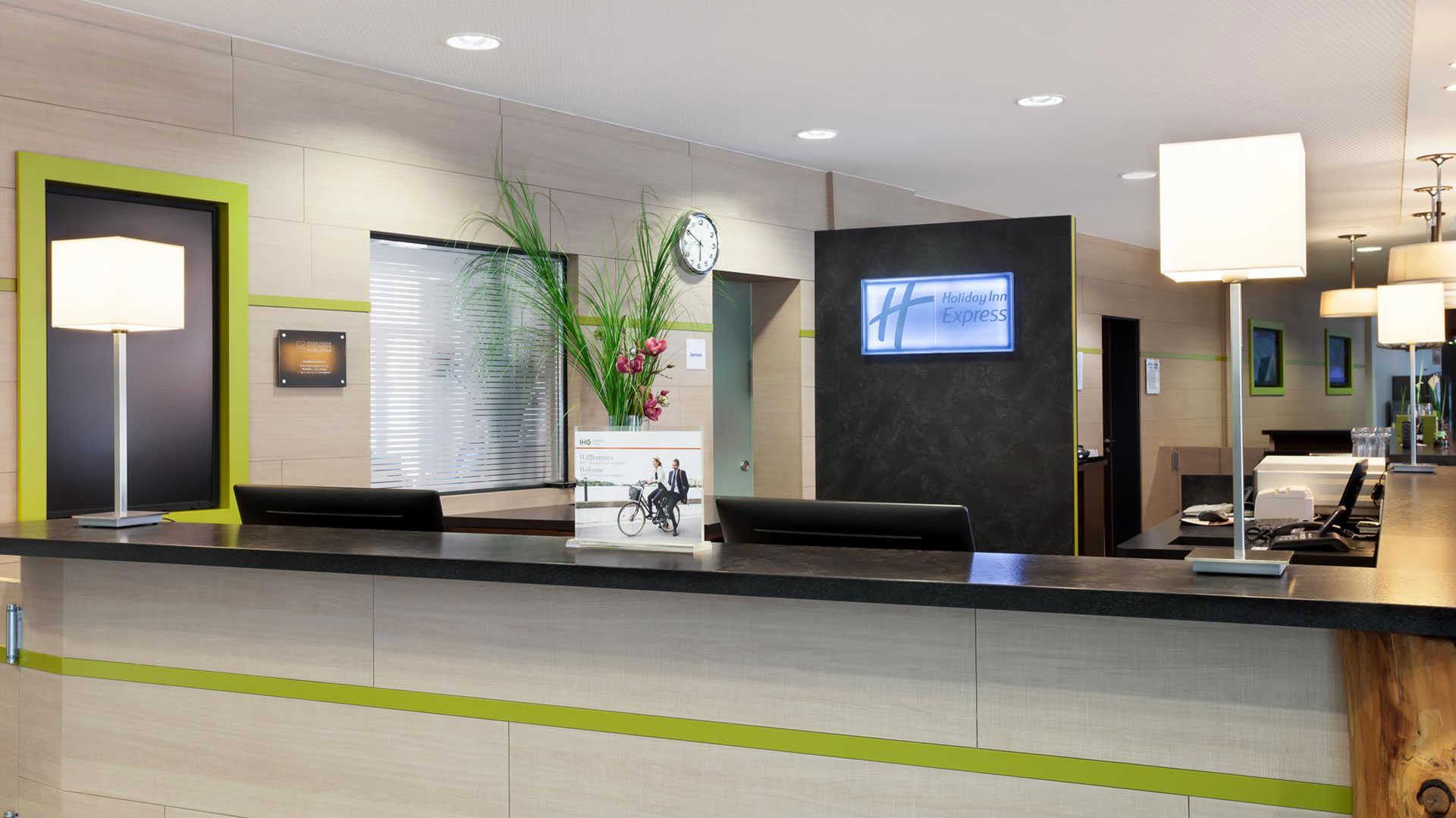 Photo of the reception - Holiday Inn Express Augsburg