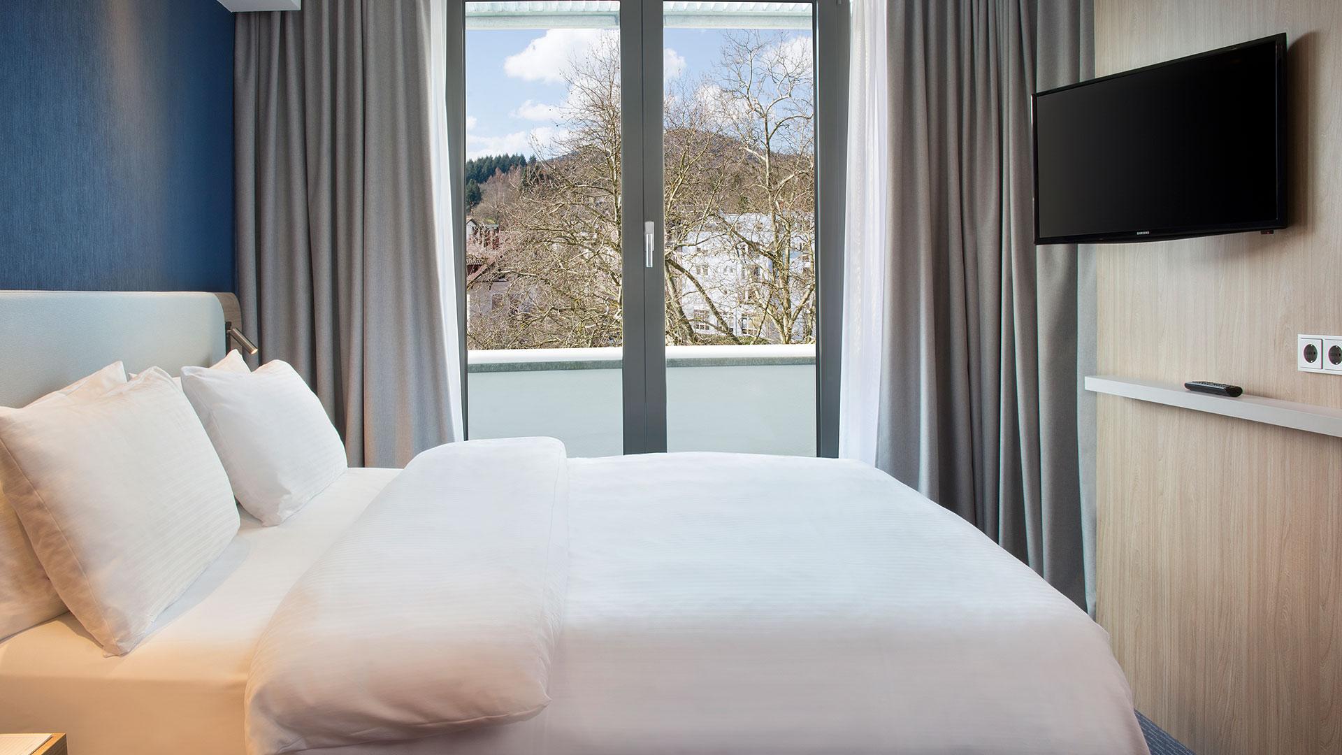 Foto einer Zimmeransicht - 01 - Holiday Inn Express Baden-Baden