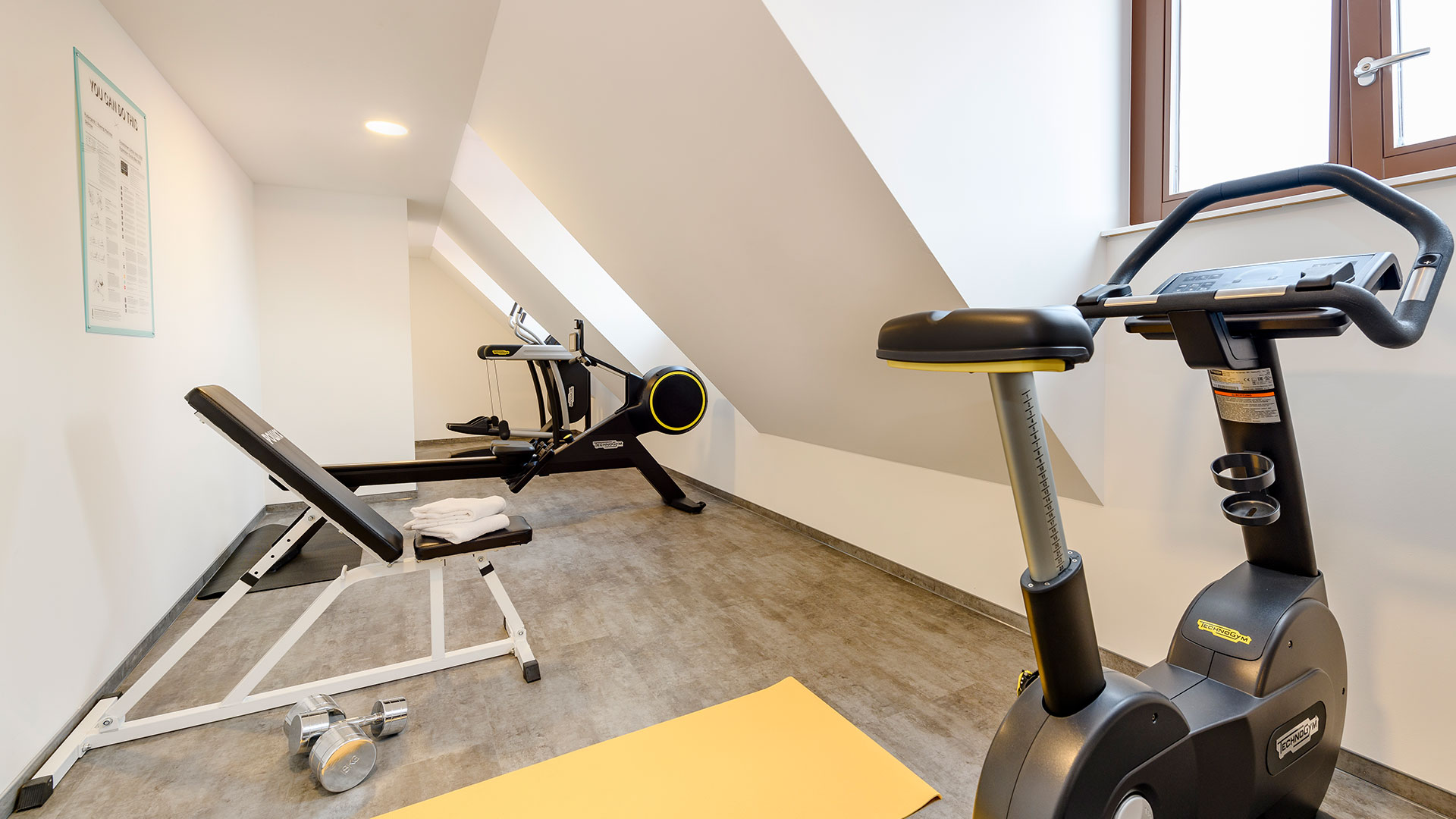 Photo of the fitness room - 02 - ibis Styles Bamberg