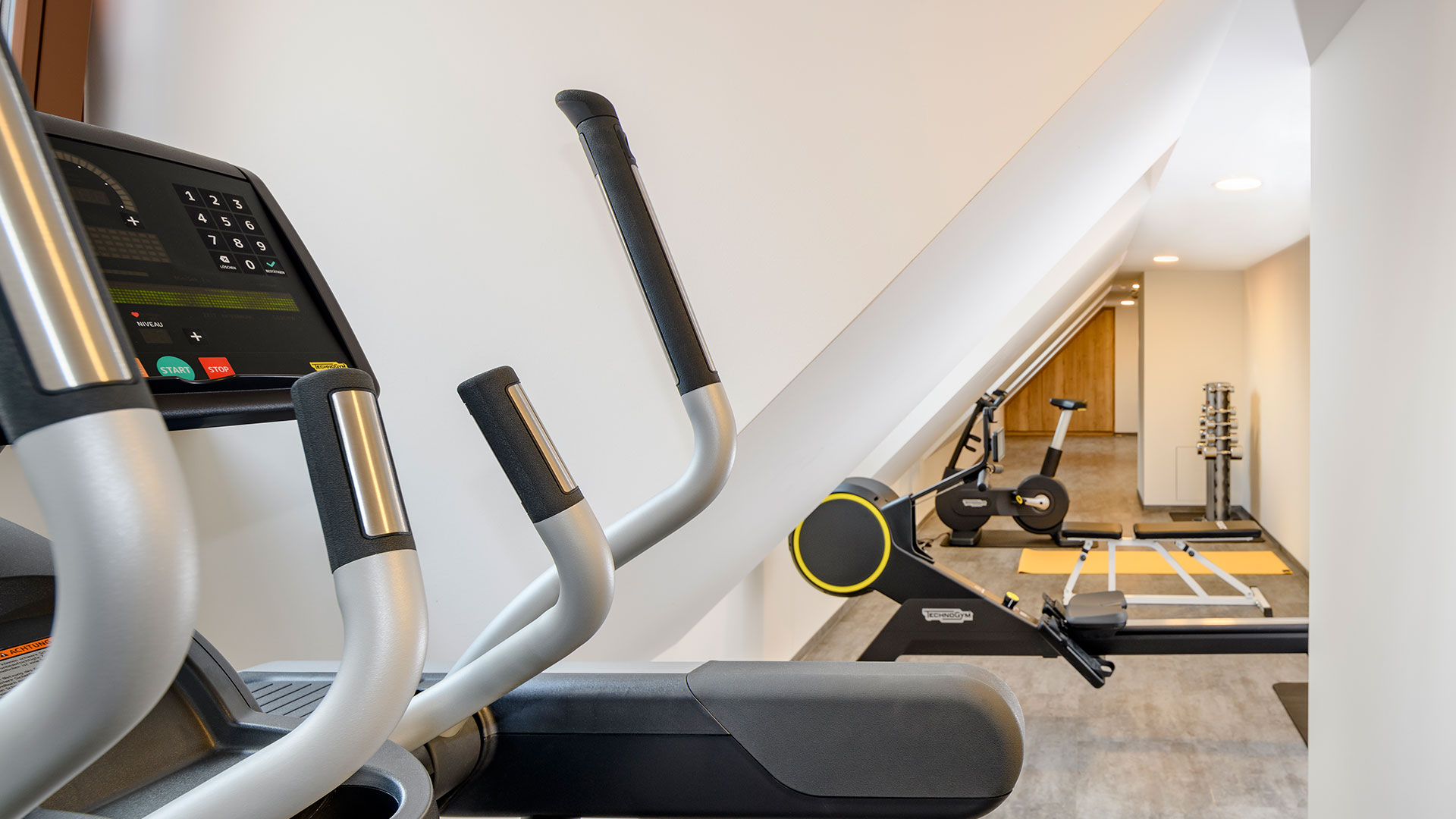 Photo of the fitness room - 01 - ibis Styles Bamberg