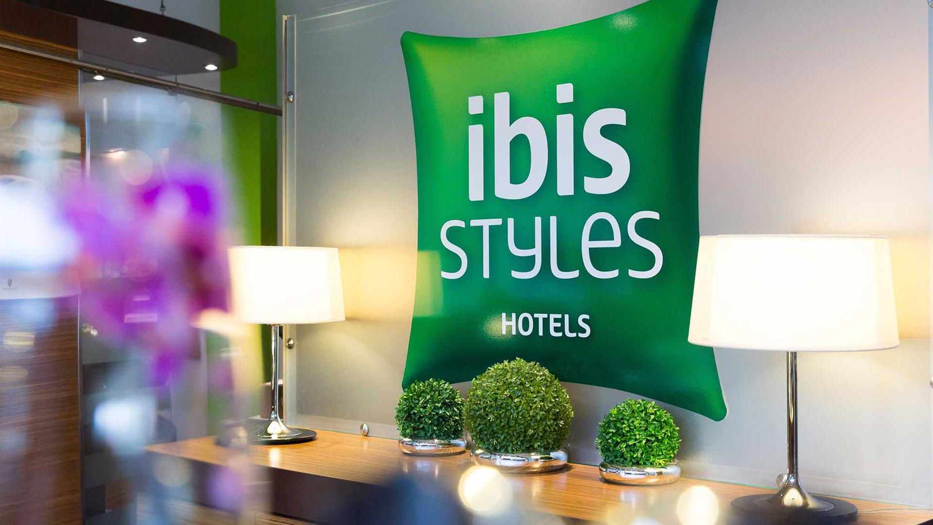 Foto der Lobby - 01 - ibis Styles Leipzig