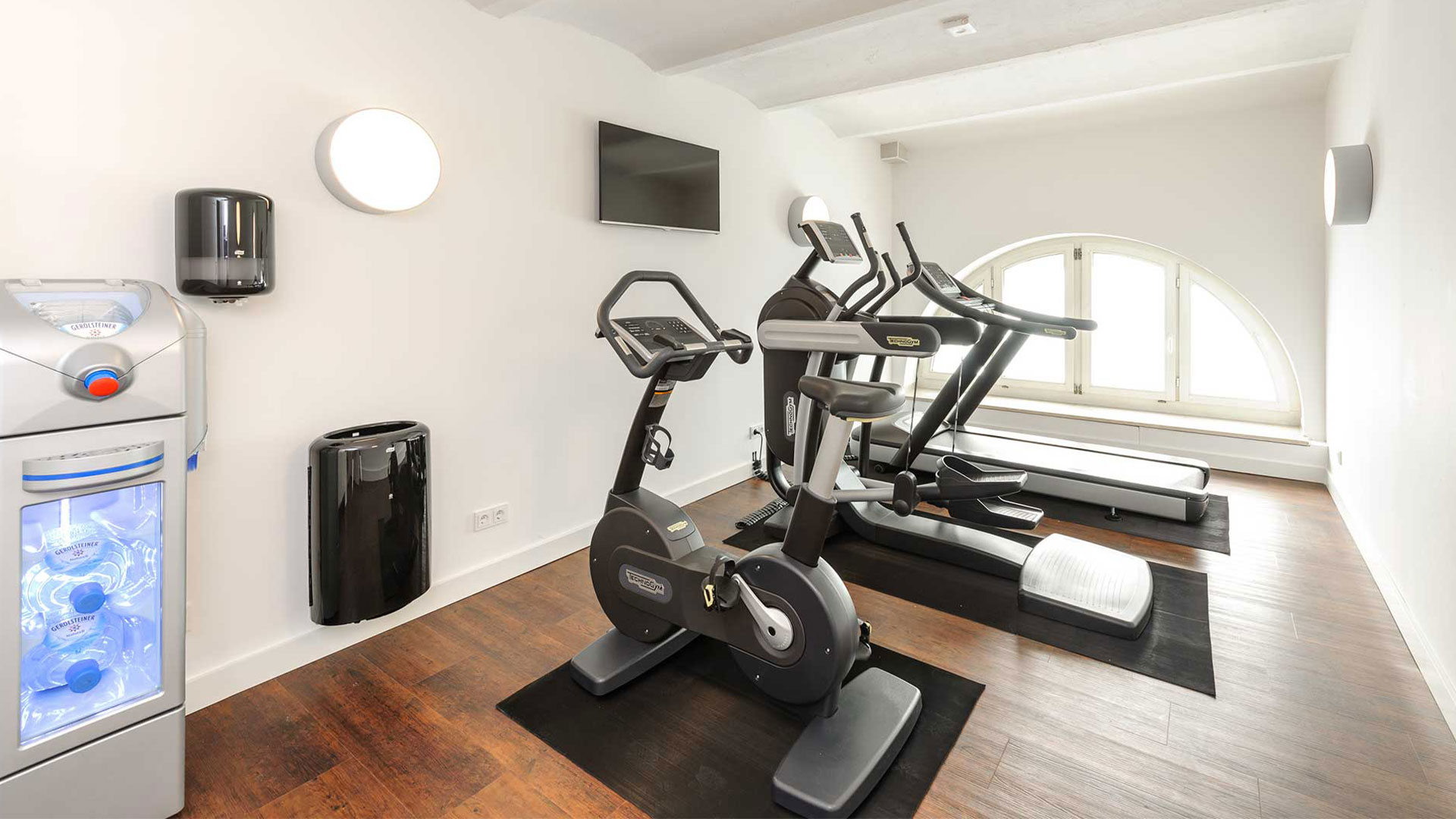 Photo of the fitness area - ibis Styles Trier