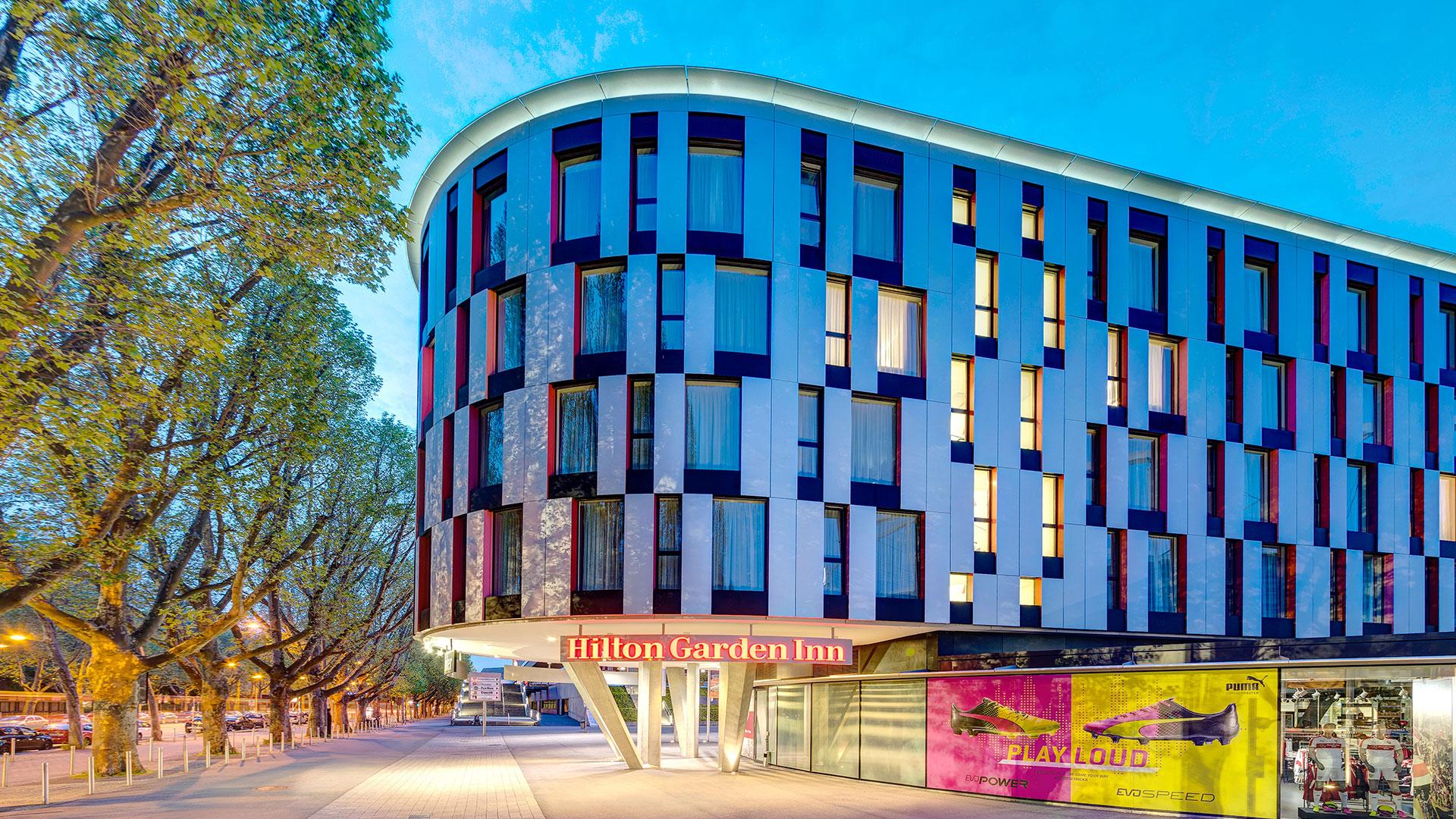 Vue extérieure -02- Hilton Garden Inn Stuttgart NeckarPark
