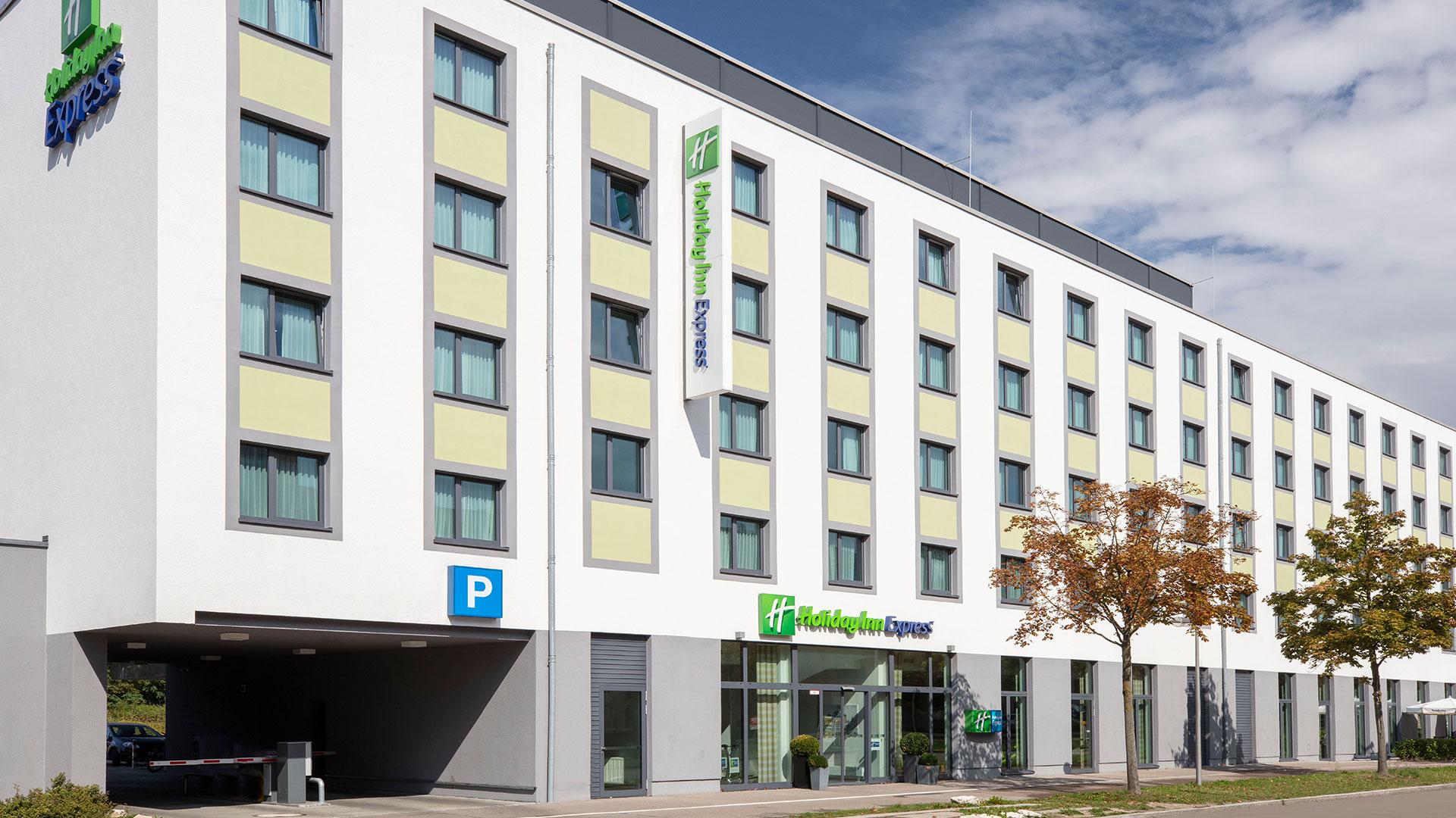 Foto van het Buitenaanzicht - 01 - Holiday Inn Express Augsburg